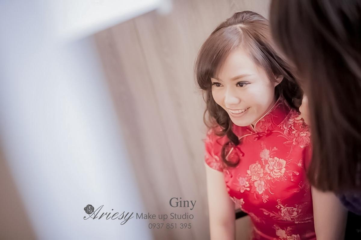 Giny,台北新娘秘書,新秘,蓬鬆盤髮,編髮,鮮花造型,自宅,旗袍造型