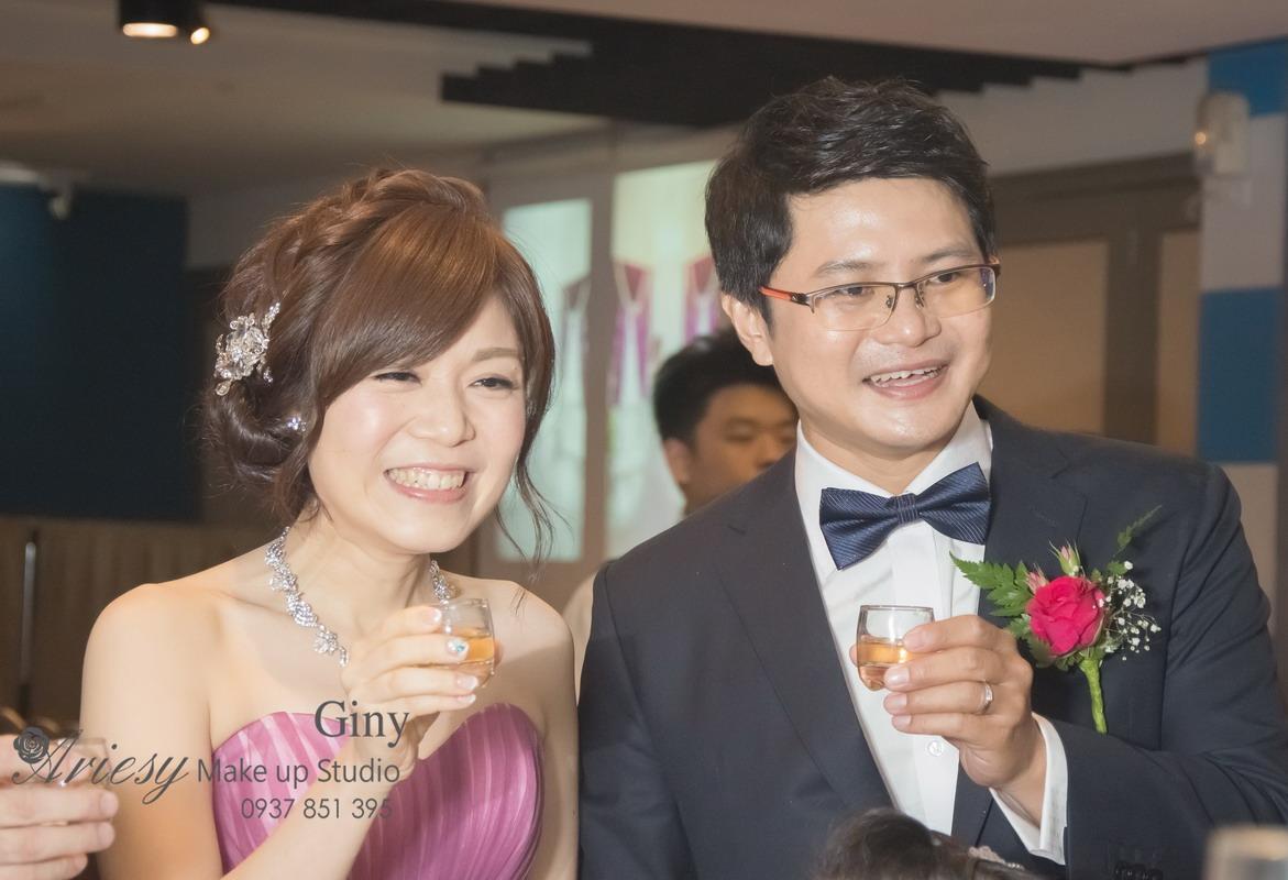 Giny,台北新娘秘書,新秘,蓬鬆盤髮,編髮,鮮花造型,怡人園,教堂婚禮
