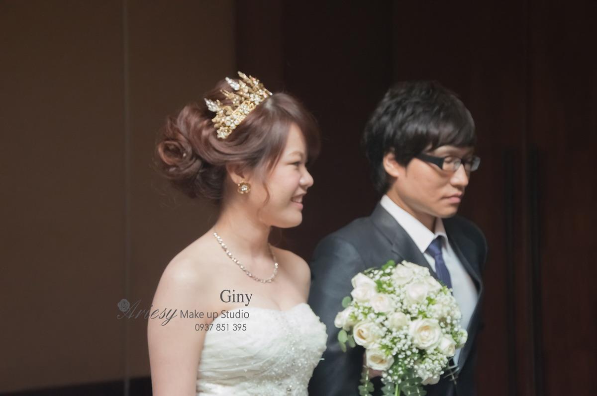 Giny,台北新娘秘書,新秘,蓬鬆盤髮,編髮,蘭城晶英,歐美手工飾品