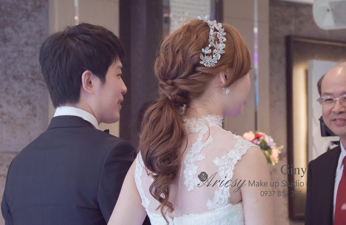 Giny,台北新娘秘書,新秘,清透妝感,蓬鬆盤髮,富基婚宴會館,歐美手工飾品,旗袍造型,編髮