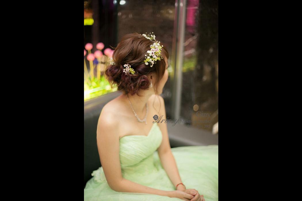 Giny,愛瑞思造型團隊,台北新娘秘書,新娘秘書,清透妝感,鮮花造型,蓬鬆盤髮,線條盤髮,韓風飾品,台北水源會館