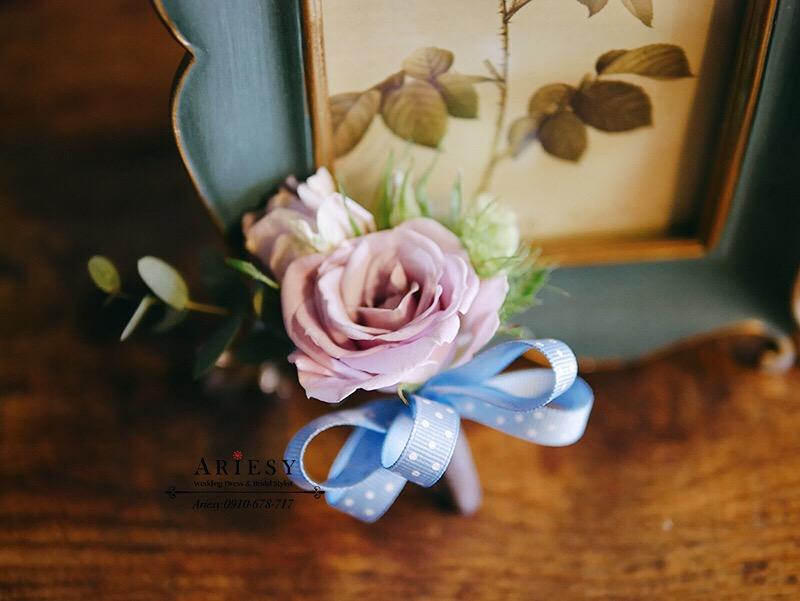婚禮胸花,粉紫色胸花,可愛緞帶花,新郎胸花,愛瑞思