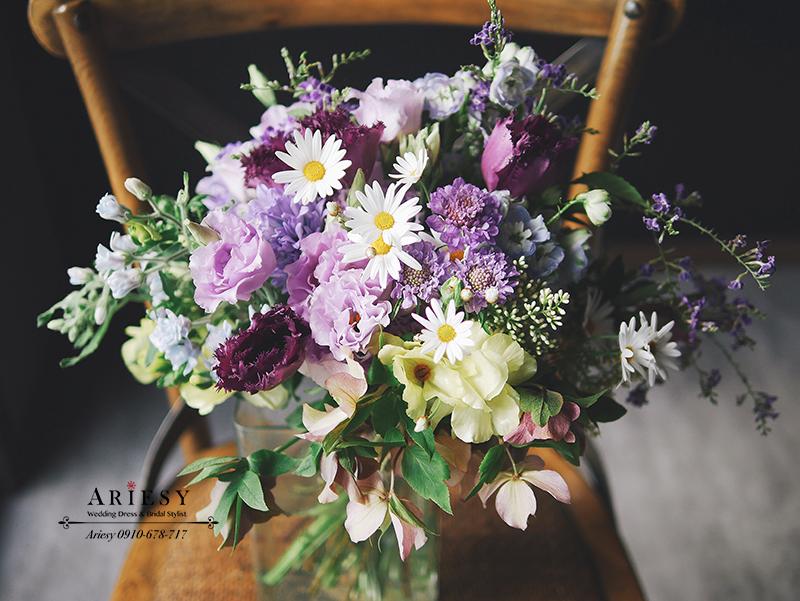 Bridal Bouquet,美式新娘捧花,歐美新娘捧花,新娘秘書,台北新秘,繽紛藍紫色系新娘捧花