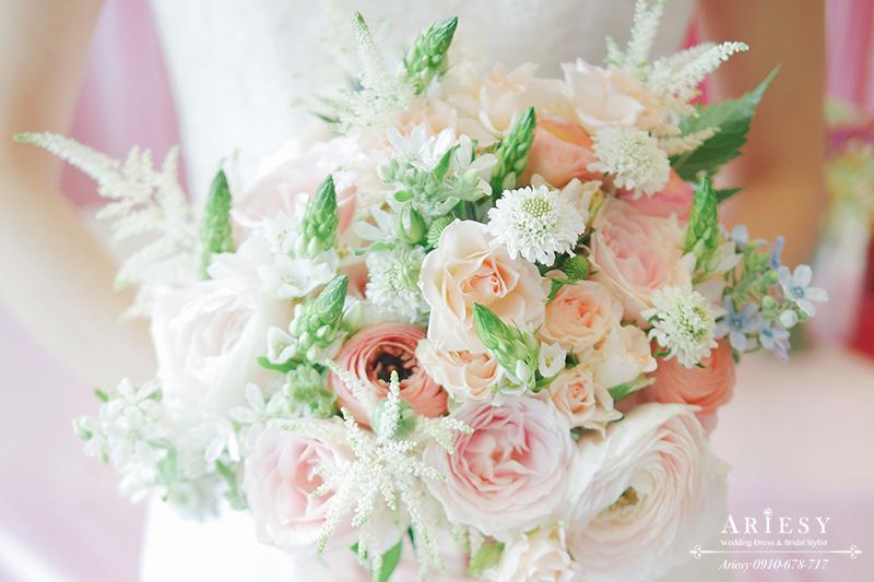 送客小捧花,美式新娘捧花,歐美新娘捧花,新娘秘書,台北新秘,粉白色系新娘捧花