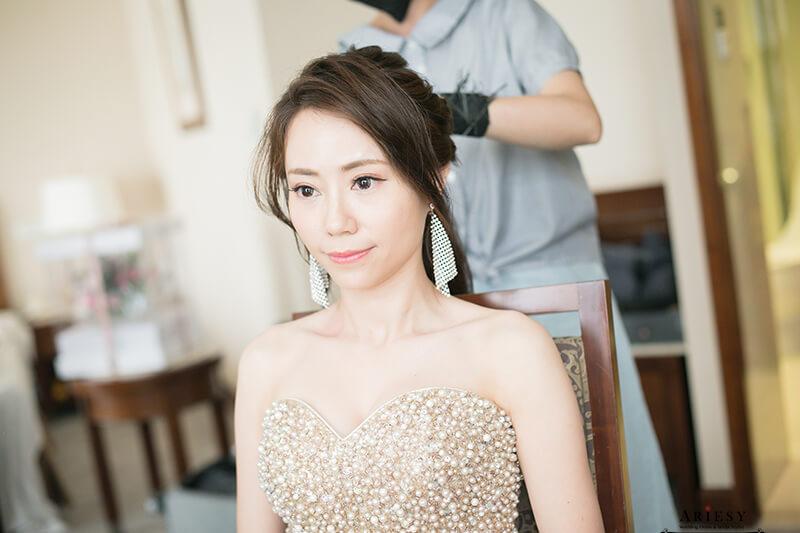 愛瑞思,ariesy,金色禮服,新娘造型,時尚新娘造型,新娘秘書,北部新秘