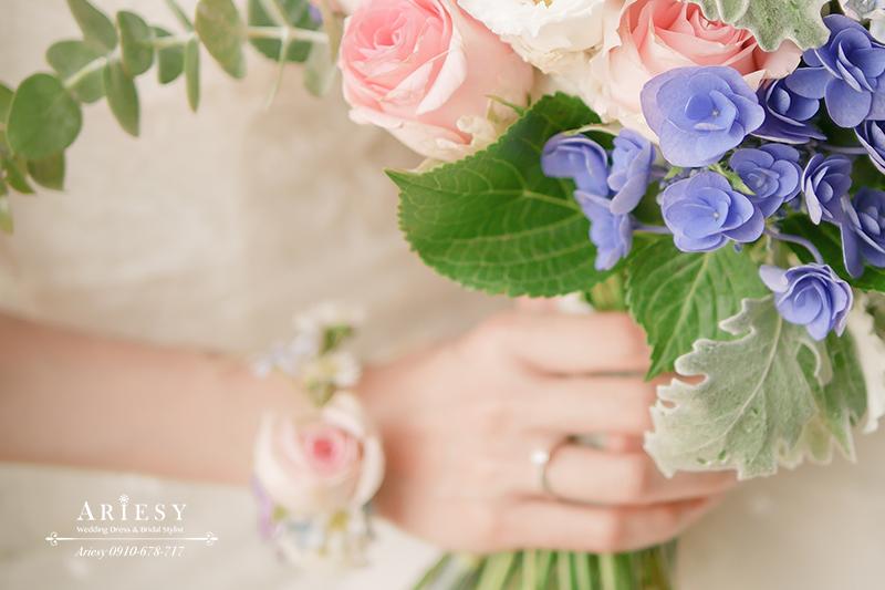 繽紛新娘手花環,日系新娘捧花,新娘秘書,台北新秘,粉色系新娘手腕花