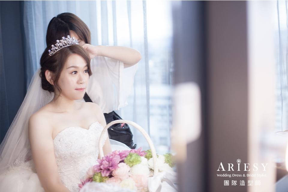 新娘進場造型,新娘妝感,新娘髮型,新秘編髮,皇冠造型