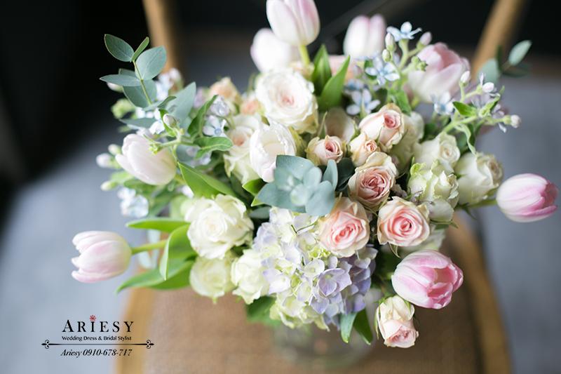 新娘捧花,粉紅色捧花,繽紛捧花,鮮花新秘,鬱金香捧花