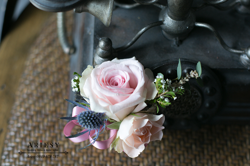 薊花胸花,主婚人胸花,粉紅色胸花,新娘秘書,台北新秘