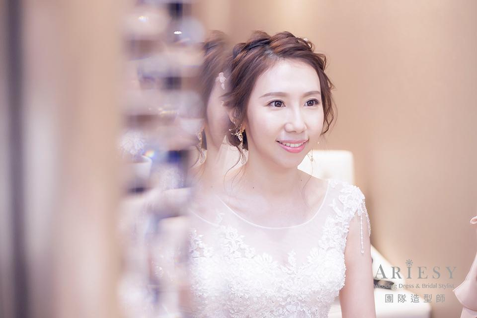 白紗進場造型,新娘妝,新娘造型,新秘編髮,鮮花造型