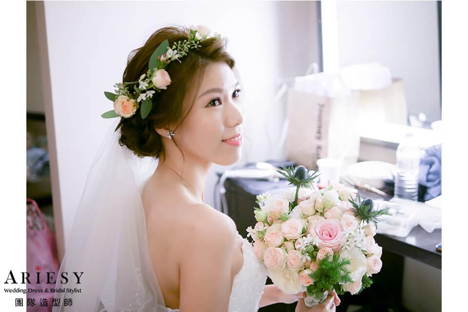 白紗進場造型,新娘妝,新秘花藝,新娘捧花,新娘花圈