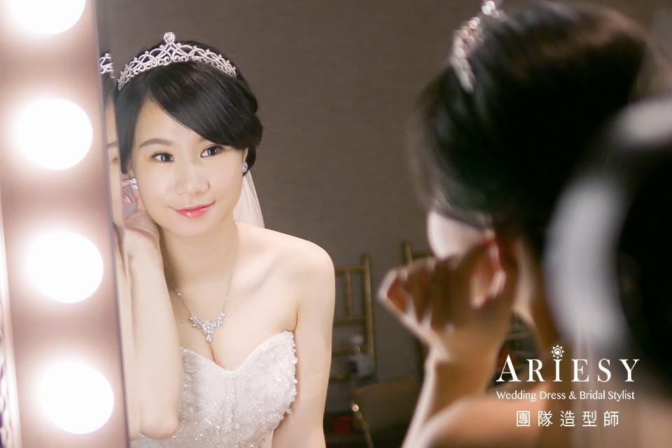 白紗進場造型,皇冠造型,台北新秘推薦,短髮新娘造型,新娘妝感