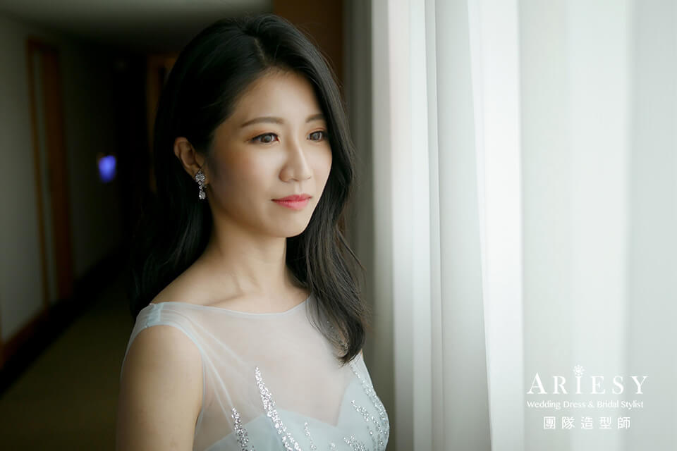 台北新秘推薦,新娘髮型,黑髮新娘,新娘自然妝,短髮新娘
